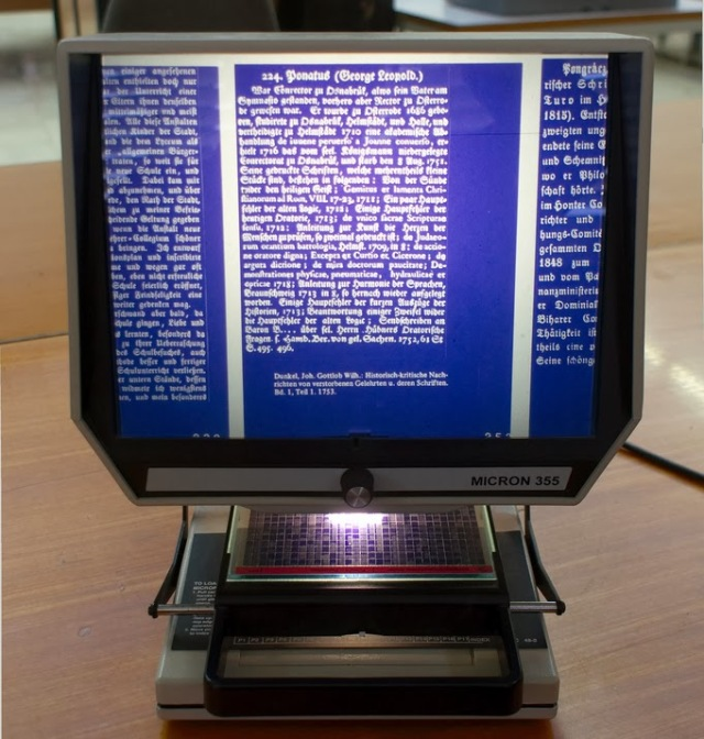 Microfiche reader (the very best)